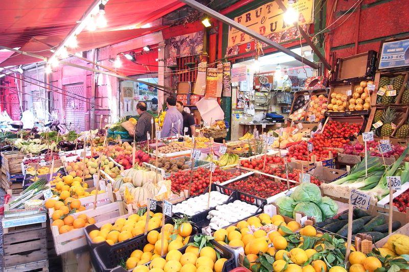 20110728_A palermo, Sicilia - Porto, Mercato della Vucciria10_RIMG2702