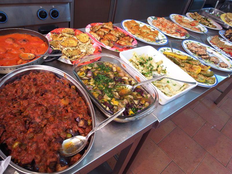 20110728_A palermo, Sicilia - Porto, Mercato della Vucciria12_RIMG1661